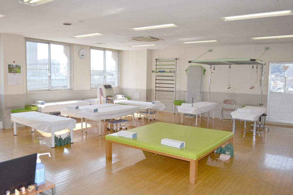 熊本市 アラキ整形外科 リハビリ室